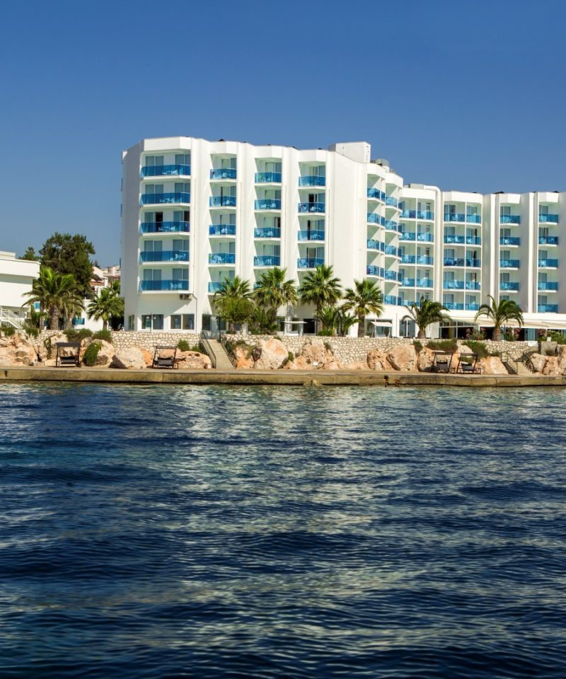 Le Bleu Hotel & Resort Transfer